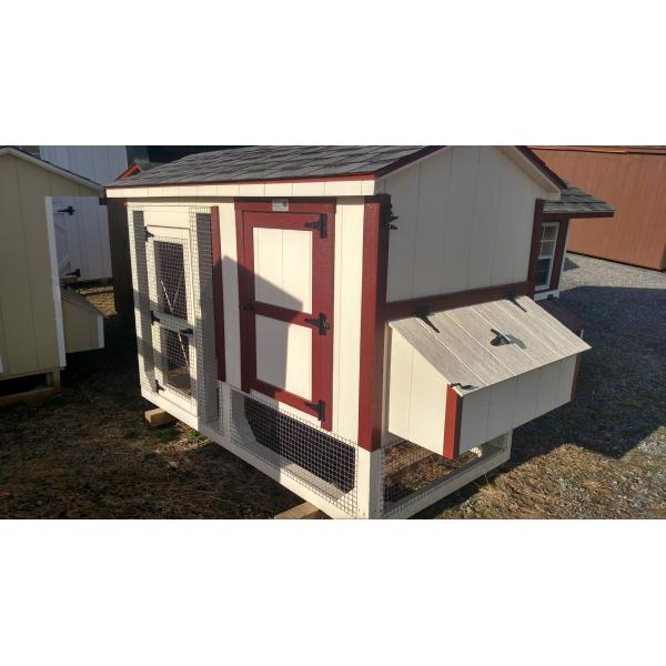 4x8 Chicken Coop - Beige with Red Trim