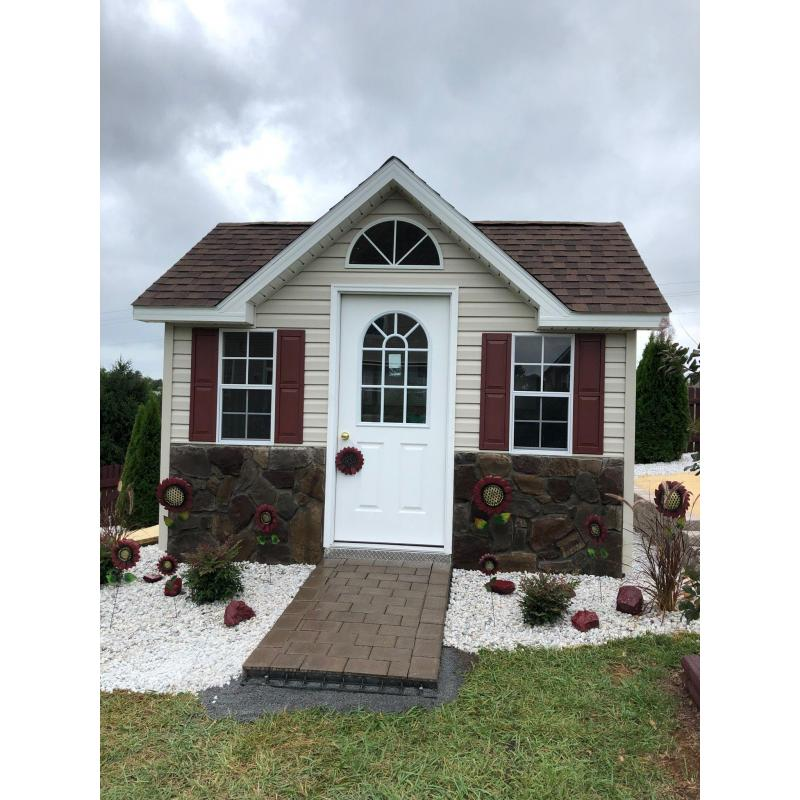 Victorian Shed - Beige with Red and White Trim